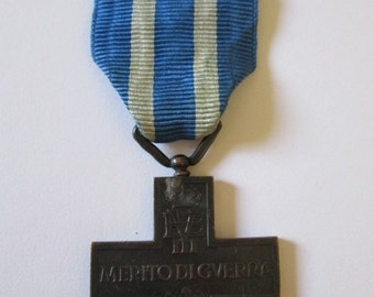 Italy = Merito Di Guerra Medal - WW II - King  Victor Emanuel III