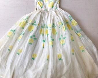 Beautiful 1950s Yellow Roses Dress
