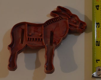 "Vintage DOMAR CIRCUS DONKEY/Burro Cookie Cutter | 1948 4"" x 3.75"" Lavender Marbled Plastic"