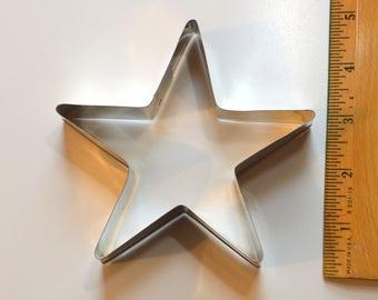 "Tin STAR COOKIE CUTTER | 4 5/8"" x 4 3/8"" x 1 1/16"" Christmas"