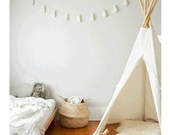 Ivory yarn tassel garland, natural room decor, kidsroom, babyroom, nursery, teepee, bohemian, boho, scandinavian, gender neutral colors