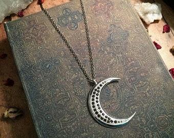 SALE! Crescent moon necklace // lunar necklace // gothic necklace // silver moon necklace // luna necklace