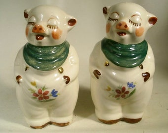 Vintage Pair of Shawnee Smiley Pig Salt and Pepper Shakers with Gold Trim
