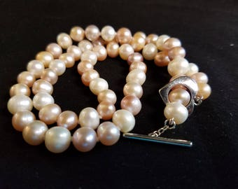 """High-Grade Freshwater Cultured Natural Pink & White Pearl Necklace - 18"""""""