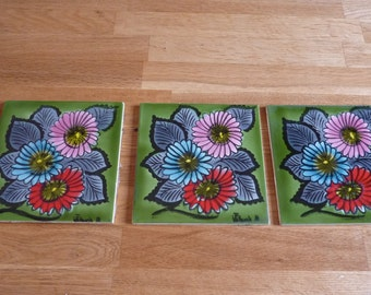 set of 3 hand painted decoration flowers vintage french signed vallauris faience tiles - Faience Coloree Cuisine