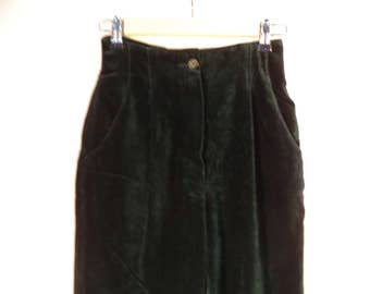 Green velvet high waist pants// Pleated tapered baggy 90s goth// Vintage Choice by Steilman// Women's 26 W  size 4 6 USA