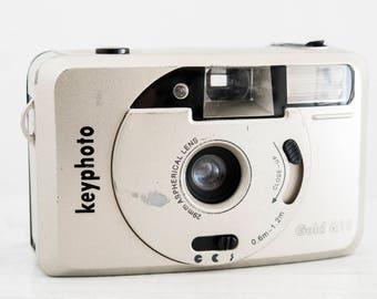 Keyphoto Gold Q10 - functional vintage camera, compact 35mm film point&shoot for lomography, prime wide lens + Handstrap!