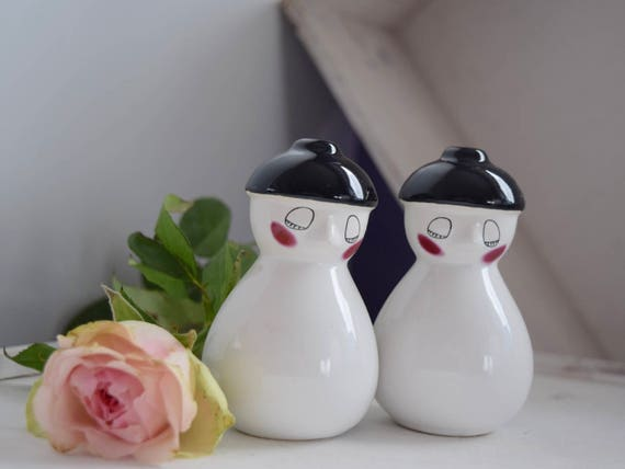 "Black and white, salt and pepper shakers set, art deco style, 3.5"" high, oriental look, blushing, white, dinner set,"