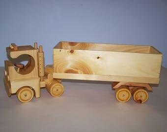 Tractor Trailor, Box