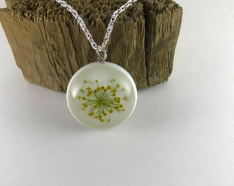 Dill necklace