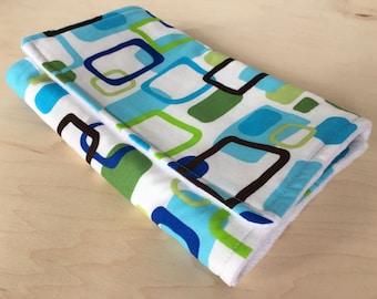 Baby burp cloth with flannel lining. Boy burp cloth. Minky back burp cloth. Baby shower gift.