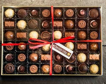 Chocolate truffles - birthday gift - chocolates - chocolate bon bons - wedding favors - wedsing favours -gifts for her -gifts fir him