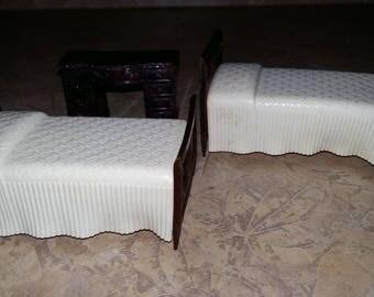 50s Vintage Doll House Beds Miniatures Twin Beds-Pair Desk Renwal Bedroom Furniture Hard Plastic
