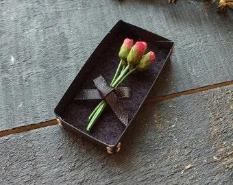 Miniature Boxed Bouquet - Doll House Miniature - Valentine's - Doll Accessory - Rose Bouquet - Miniature Flowers