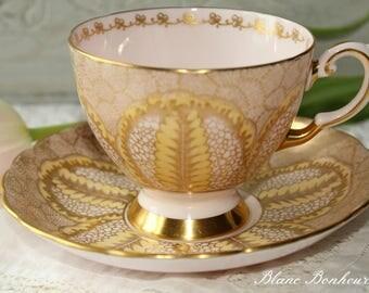 Tuscan, England: Pink tea cup & saucer