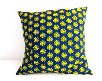 Sun yellow and indigo blue Wax cushion and back denim Navy raw 50 x 50 cm.