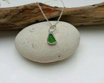 Green Seaglass Necklace, Green Seaglass Pendant, Seaglass Jewellery, Silver Necklace, Cornish Seaglass
