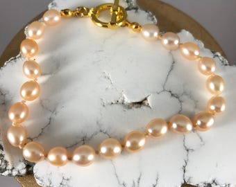 Hand-Knotted Peach Pearl Bracelet