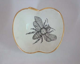 Apple shaped porcelain bowl with handpainted bee