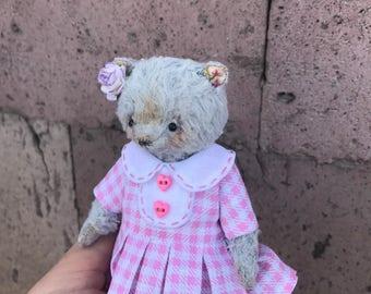 Teddy bear friend Blythe doll