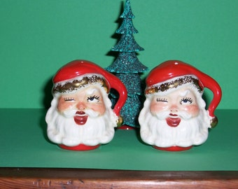 Vintage Santa  Salt and Pepper Shakers,  Christmas, Winking Santa, 1950's