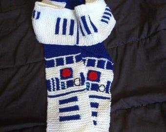R2D2 Star Wars Knit Scarf