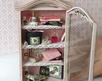 Vintage style display cabinet