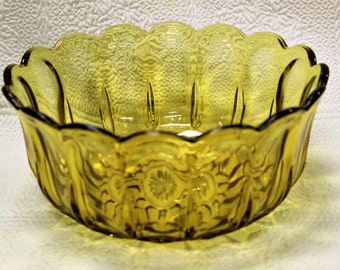 Vintage Anchor Hocking FAIRFIELD AMBER Large 9 Inch Scalloped Edge Serving Bowl 1970's Collectible Amber Serving Bowl Excellent Condition
