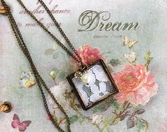 Romantic Vintage Style Lace Frame Pendant Necklace