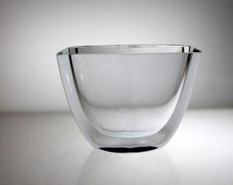 Beautiful vase by Stromberg, Swedish Glass, Scandi, signed