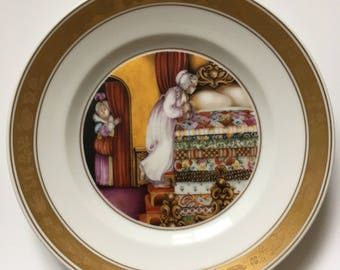 Royal Copenhagen Hans Christian Andersen The Princess and the Pea Collectable Plate