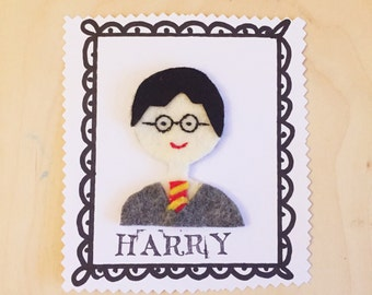 Brooch made of felt Harry Potter. Gift for her, gift for a friend, gift for a Harry Potter fan. Felt pin.