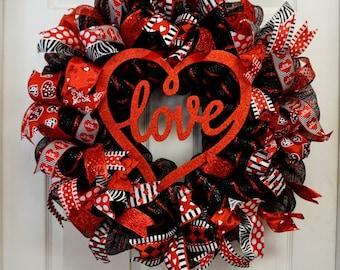 Valentine Wreath, Valentine Mesh Wreath, Valentine's Wreath, Love Wreath, Valentine's Door Hanger, Valentine's Mesh, Heart Wreath