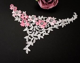 Swiss embroidery: lace applique white / lightrose