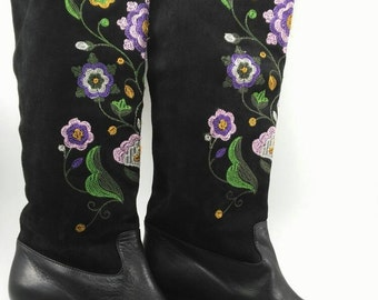 Vintage black boots flowers embroidered