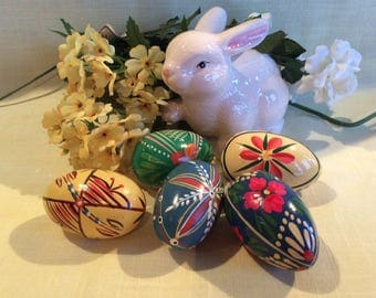 Vintage Pysanky Ukrainian wood Easter egg hand painted decoration batik method