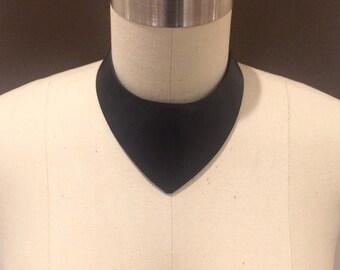 Pointe Collar - Black Cowhide Leather Choker