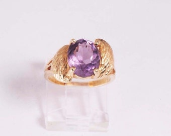14K Yellow Gold Amethyst Ring, 4.7 grams, size 5