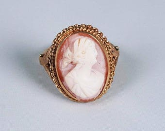 14K Yellow Gold Vintage Cameo Ring, size 8.75