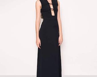 Black deep decoltaje maxi dress