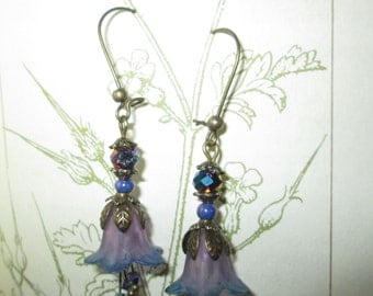 Earrings flower tinted lucite, swarovki in purple shades of purple beads, lauramcreation