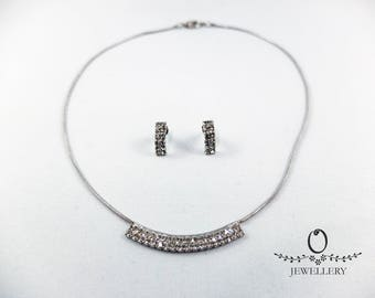 Minimalist Sparkling Necklace Set
