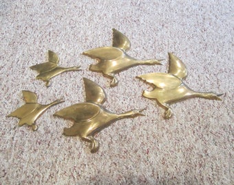 vintage brass geese, wall hanging geese, set of brass geese, vintage brass art, 5 geese