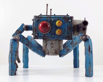 Cube Crawler robot made to order resin  hand made, hand painted scifi rusty old vintage robot figure blue battle damged paint scheme