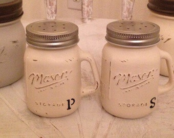 Chalk Painted Mason Jar Salt & Pepper shakers! Fully Customizable **Make your kitchen pop with these classic Mason Jar Shakers***