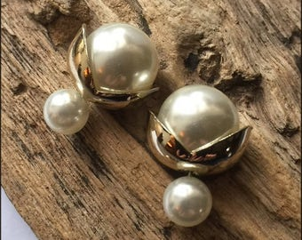 Beautiful and classy white double pearls earrings with golden leafs (French style tribal chic studs)