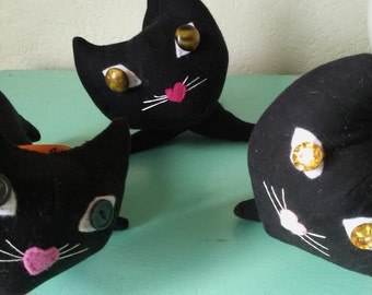 vintage -style Handmade  BlAcK CaTs