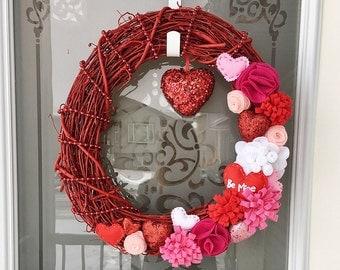 Valentine's Day Wreath // Felted Wreath // Felt Flowers // Front Door Decor