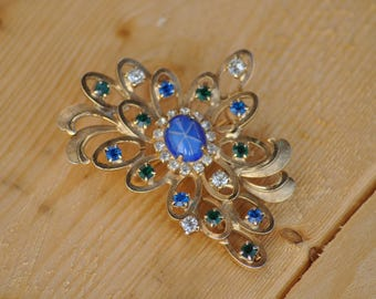 Vintage Faux Star Sapphire Brooch // Multi Colored Rhinestones // Gold Tone Setting Pin