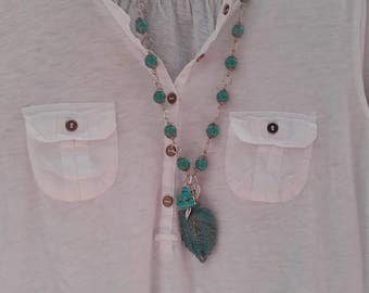 The face and feathers of peace turquoise Navajo necklace from it